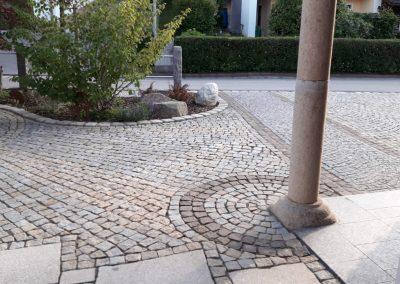 Kopfsteinpflasterverlegung durch die Firma Krischke Pflaster- und Landschaftsbau in Loitzendorf